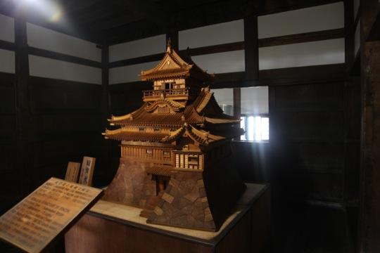 maquette bois chateau