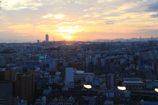 tsutenkaku coucher soleil