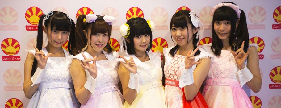 Après plusieurs semaines de sélections au concours Tokyo Candoll, ce sont les idols du groupe Luce Twinkle Wink☆, pleines de peps et 100 % kawaii, qui ont gagné leur ticket pour Japan Expo et nous avons pu les retrouver lors de 2 showcase, 3 séances de décidaces, 1 photocall… et […]